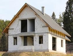 Строительство домов из газобетона: важные аспекты